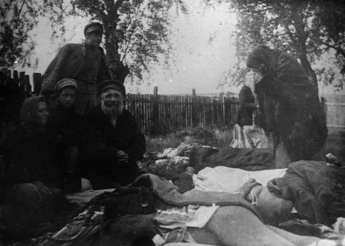 Жертвы погрома в Черкассах. 23.06.1920./Фото: gdb.rferl.org